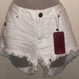 Pants - Woman white BJB shorts